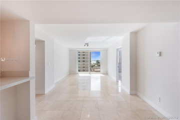 Home for Sale at 770 Claughton Island Dr #814, Miami FL 33131