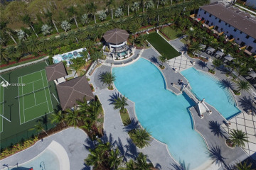Home for Sale at 10600 NW 88 Street #204, Doral FL 33178