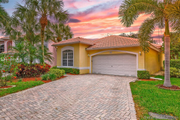 Home for Sale at 7533 NW 60th Ln, Parkland FL 33067