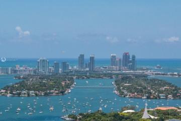 Home for Sale at 1750 N Bayshore Dr #5102, Miami FL 33132