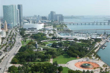 Home for Sale at 325 S Biscayne Blvd #2124, Miami FL 33131
