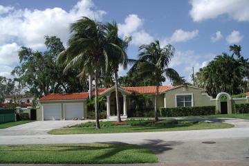 Home for Rent at 421 Luenga Ave, Coral Gables FL 33146
