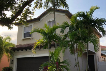 Home for Sale at 3748 NE 10th Ct, Homestead FL 33033