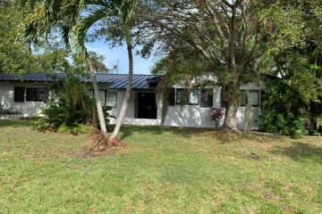 Home for Rent at 7435 SW 173rd St, Palmetto Bay FL 33157