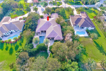 Home for Sale at 2220 SW 119th Ter, Davie FL 33325