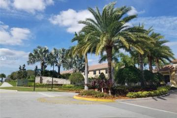 Home for Sale at 9577 S Town Parc Cir S #9577, Parkland FL 33076
