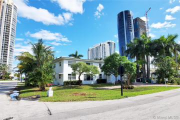 Home for Sale at 18825 Atlantic Blvd, Sunny Isles Beach FL 33160