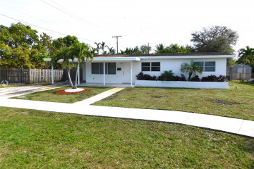 Home for Sale at 316 NW 45 Ave, Plantation FL 33317