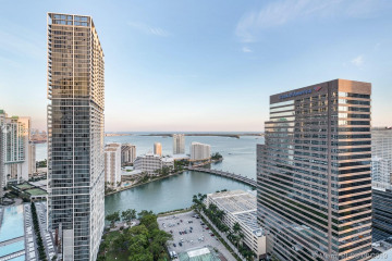 Home for Sale at 500 Brickell Ave #3701, Miami FL 33131