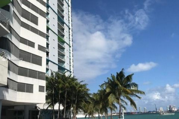 Home for Sale at 325 S Biscayne Blvd #3226, Miami FL 33131