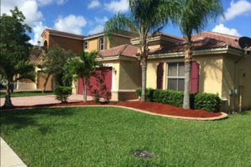Home for Sale at 512 NE 20th Ter, Homestead FL 33033