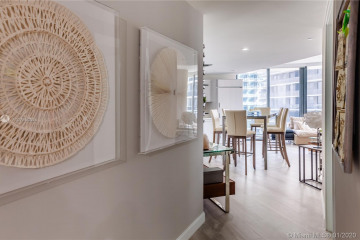 Home for Rent at 45 SW 9 St #2401, Miami FL 33130