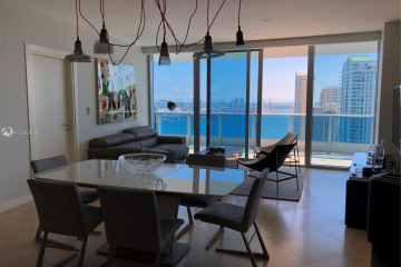 Home for Sale at 200 Biscayne Blvd Way #3303, Miami FL 33131