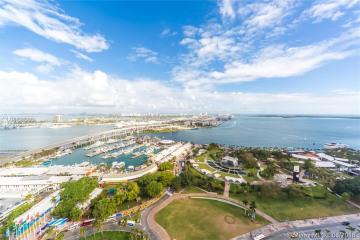 Home for Sale at 244 Biscayne Blvd #3302, Miami FL 33132