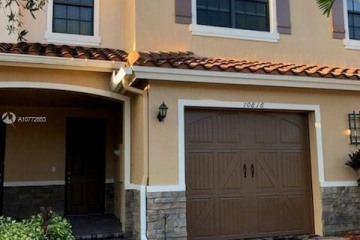 Home for Sale at 10816 NW 74th Dr, Parkland FL 33076