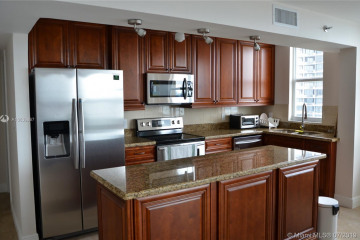 Home for Sale at 770 Claughton Island Dr #815, Miami FL 33131