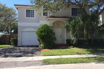 Home for Sale at 11 NW 110th Ave, Plantation FL 33324