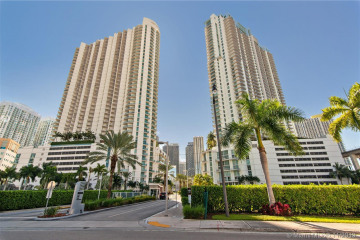 Home for Sale at 90 SW 3rd St #4410, Miami FL 33130