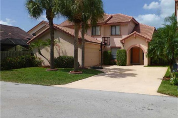 Home for Sale at 1849 NW 96th Av, Plantation FL 33322