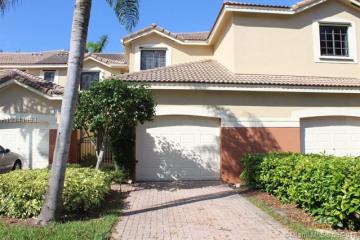 Home for Rent at 4317 Vineyard Cir, Weston FL 33332
