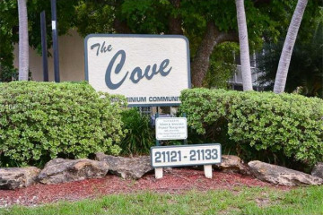 Home for Sale at 21121 SW 85th Ave #106, Cutler Bay FL 33189