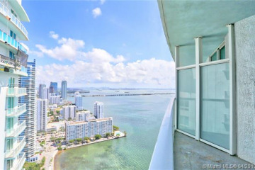 Home for Sale at 1900 N Bayshore Dr #4110, Miami FL 33132