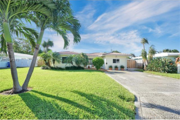 Home for Sale at 2760 SE 2nd Ct, Pompano Beach FL 33062