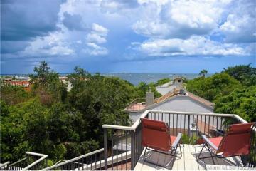 Home for Sale at 3179 Via Abitare Way #11, Miami FL 33133