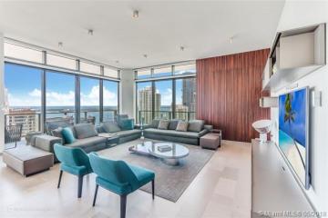 Home for Sale at 68 SE 6th St #4101, Miami FL 33131