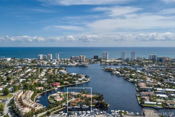 Home for Sale at 600 Circle Drive, Pompano Beach FL 33062