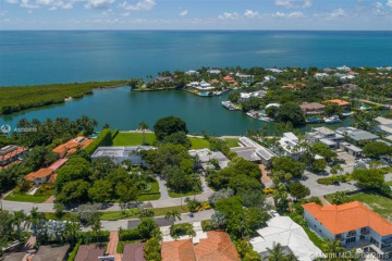 Home for Sale at 910 Harbor Drive, Key Biscayne FL 33149