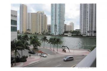 Home for Sale at 300 S Biscayne Blvd #L-426, Miami FL 33131