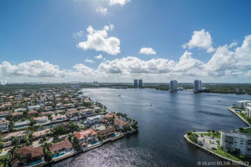 Home for Sale at 1000 Island Blvd #2507, Aventura FL 33160