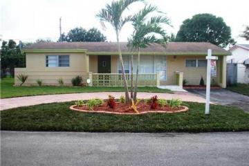 Home for Sale at 7606 Shalimar St, Miramar FL 33023