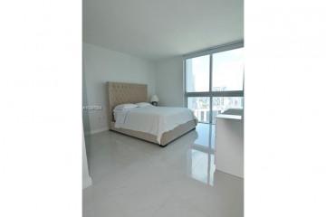 Home for Sale at 500 Brickell Ave #3601, Miami FL 33131