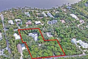 Home for Sale at 12101 SE Colby Ave, Hobe Sound FL 33455
