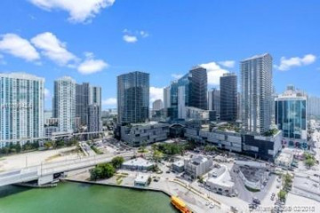 Home for Sale at 92 SW 3 St #2603, Miami FL 33130