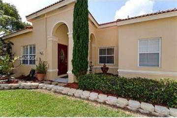 Home for Sale at 4011 Palm Pl, Weston FL 33331