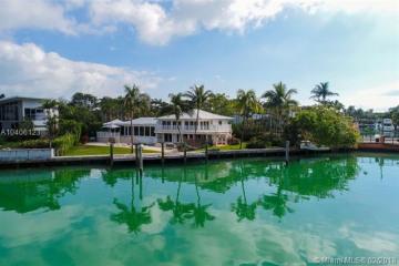 Home for Sale at 425 W Mashta Dr, Key Biscayne FL 33149