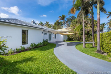 Home for Rent at 7430 Beachview Dr, North Bay Village FL 33141