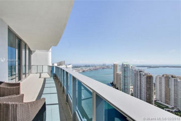 Home for Sale at 200 Biscayne Boulevard Way #4708, Miami FL 33131