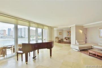Home for Sale at 2600 Island Blvd #506, Aventura FL 33160