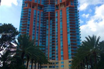 Home for Rent at 300 S Pointe Dr #808, Miami Beach FL 33139