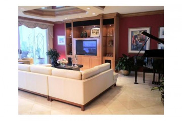 Home for Sale at 21150 Point Pl #2503, Aventura FL 33180