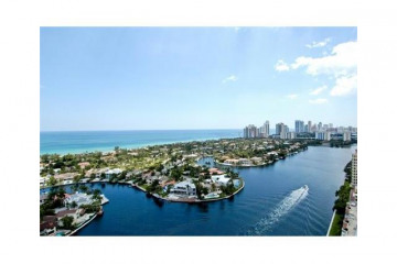 Home for Sale at 20201 E Country Club Dr #2708, Aventura FL 33180