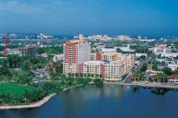 Home for Sale at 2001 Biscayne Bl #2512, Miami FL 33137