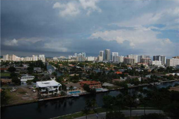 Home for Sale at 3640 Yacht Club Dr #1401, Aventura FL 33180