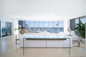 Home for Sale at 18911 Collins Ave #3305, Sunny Isles Beach FL 33160