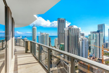 Home for Sale at 45 SW 9th Street #4003, Miami FL 33131