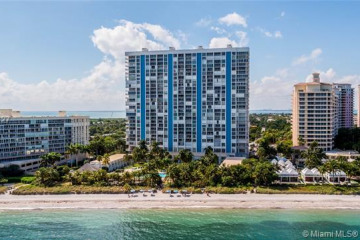 Home for Rent at 881 Ocean Dr #TH31, Key Biscayne FL 33149